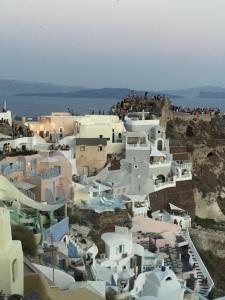 Vista case bianche Santorini Quelli con la valigia