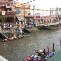 Amphawa Floating market Quelli con la Valigia copia 11