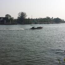 Amphawa Floating Market Quelli con la Valigia