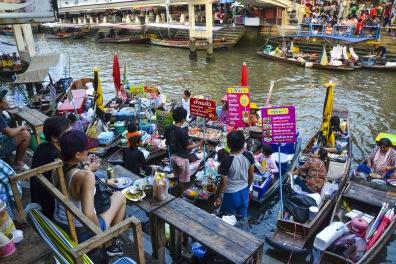Floating Market Quelli con la Valigia copia 2.JPG