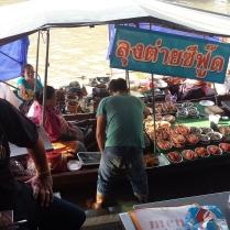Floating Market Quelli con la Valigia copia 3