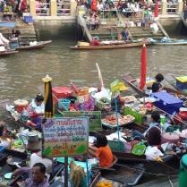 Floating Market Quelli con la Valigia copia