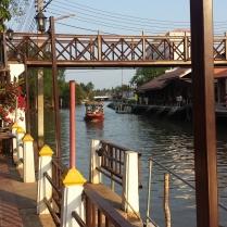 Floating Market Quelli con la Valigia